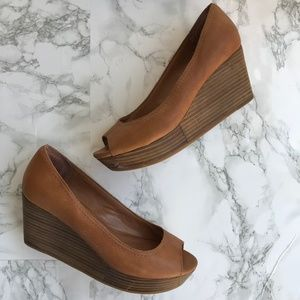 Lucky Brand Issy 2 Tan Leather Platform Wedges 6.5